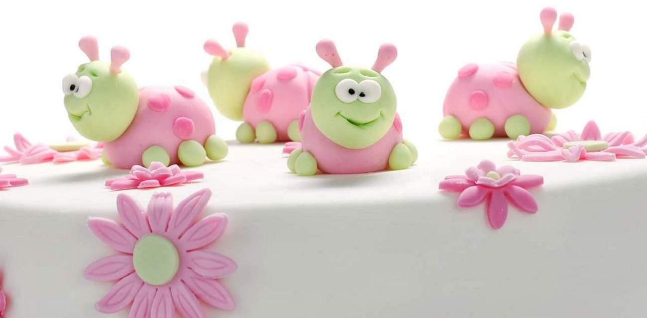 order cakes online in Vadodara